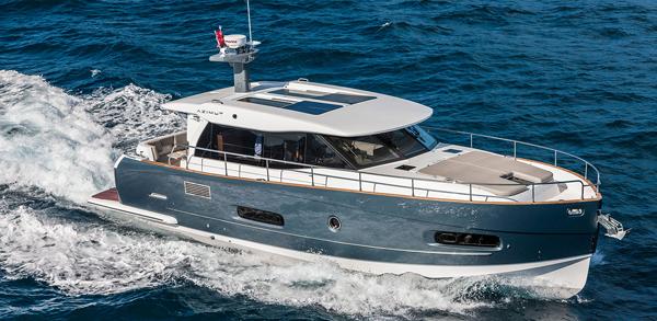 Яхта Azimut Magellano 43 HT