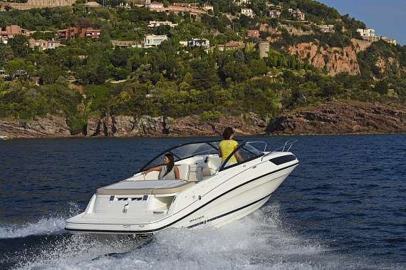 Катер Байлайнер VR5 Cuddy (Bayliner VR5 Cuddy)