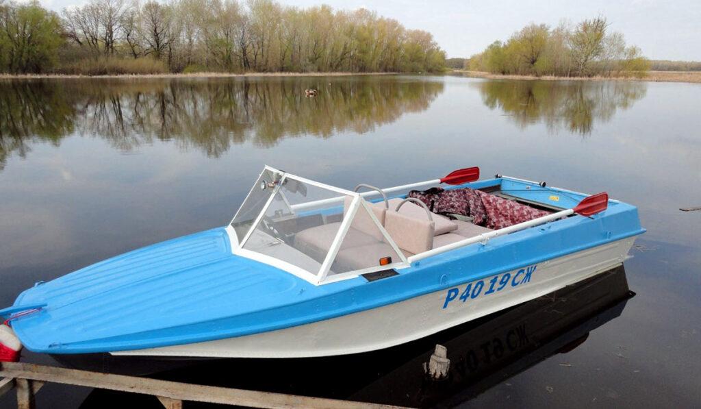 Моторная лодка Казанка фото