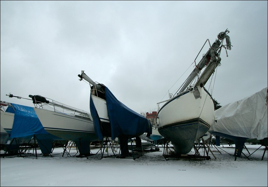 Для подготовки судна к зимовке следует выполнить несколько шагов